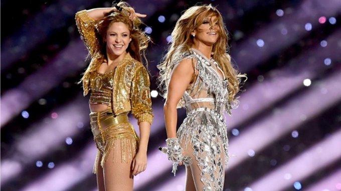 JLo y Shakira arrasaron en el entretiempo con un