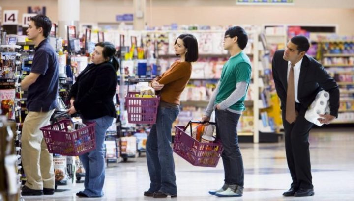 4 claves para elegir la fila más rápida del supermercado