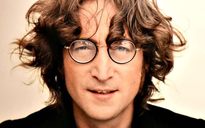 Subastan el disco que Lennon le autografió a su asesino