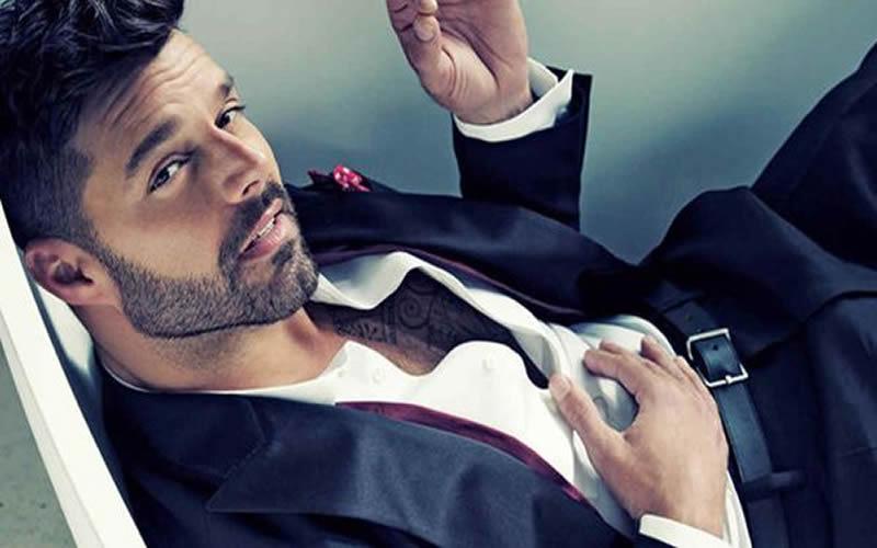 El criticado look de Ricky Martin