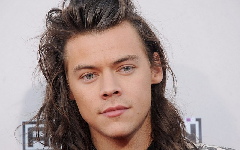 Harry Styles desafía a la gravedad