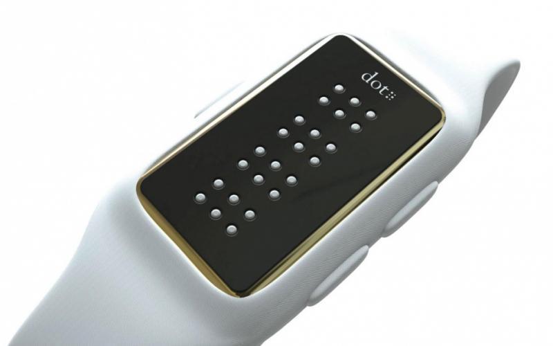 Lanzaron el primer smartwatch para personas no videntes