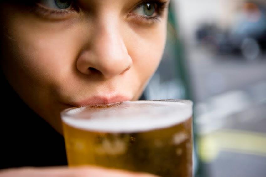 Más de la mitad de las mujeres toma cerveza