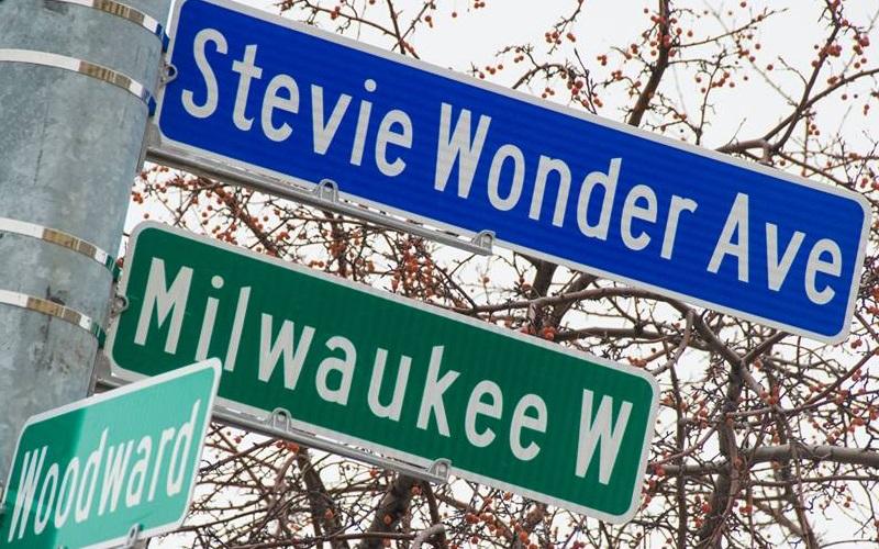 Inauguran una calle llamada Stevie Wonder