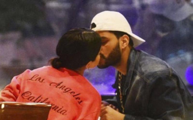 Selena Gómez con The Weeknd no dejan de besarse